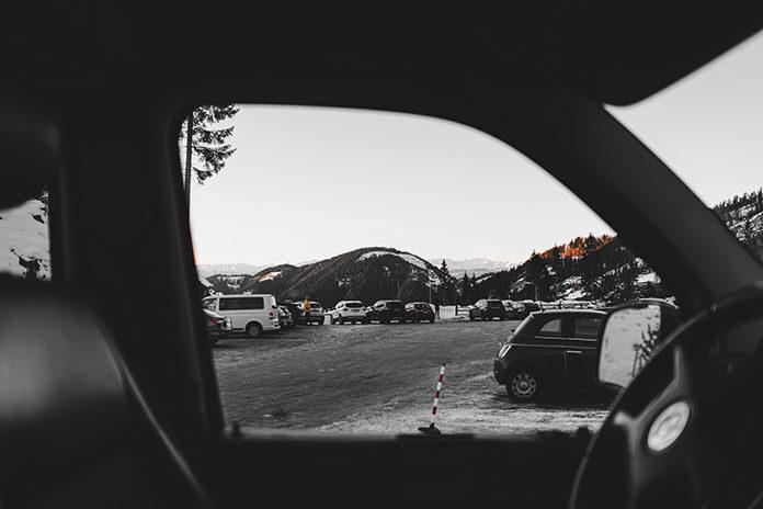 Serwis szyb samochodowych- na co zwrócić uwagę